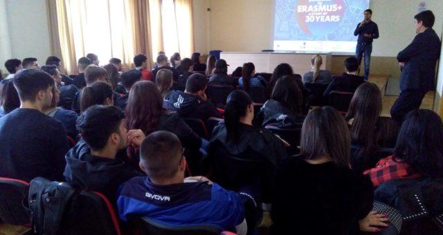 Promozione dei progetti Erasmus+ nelle scuole superiori di Napoli